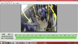 """Pobili i """"wypchnęli z autobusu"""". Szuka ich policja"""