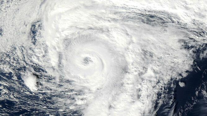 Huragan Alex nad Oceanem Atlantyckim. <br />To w styczniu wielka rzadkość