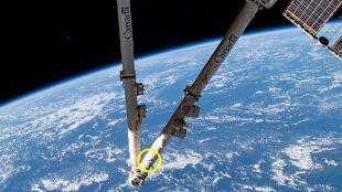 Kosmiczny śmieć uderzył w ISS. Tykająca bomba zegarowa na niskiej orbicie okołoziemskiej